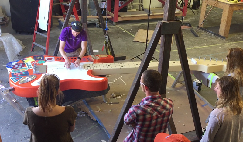 Giant Raspberry Pi Guitar by Chris Riebschlager Pic 5